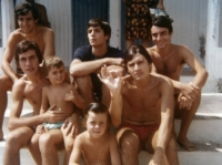 1965 - 03 - Gli Apostoli al Mare con fan
