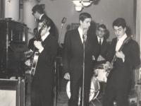 1965 - 01 - Capodanno - Esordio, da bravi ragazzi, de Gli Apostoli